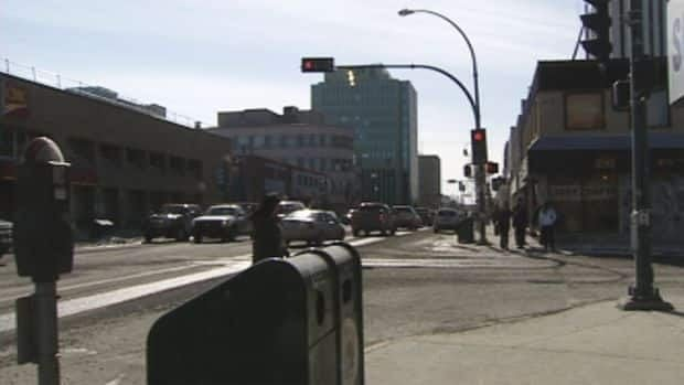 Yellowknife city workers are set to paint bike lanes on Franklin Avenue from 44 Street to Latham Island next month.