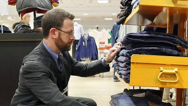 Canadian retail sales declined by 2.1 per cent in December, ending a string of five consecutive monthly gains.