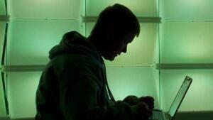 hi-computer-user-silhouette-852-8col
