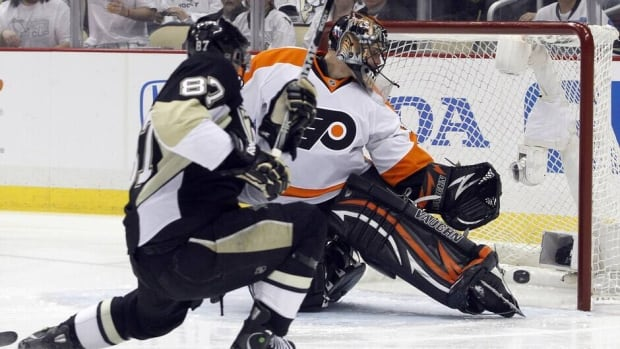 Pittsburgh Penguins sniper Sidney Crosby is questionable for the team's playoff opener with a broken jaw.