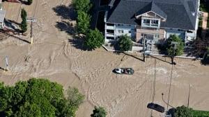 calgary-flood-852-rtx10x7y-chat-8col