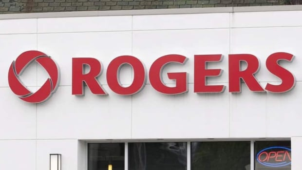 Rogers saw its profit increase last quarter due to more Canadians upgrading their smartphones. The company continued to lose cable subscribers, however.