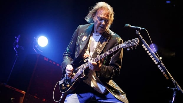 Neil Young's negative comments about the Alberta oilsands are unfair and unpersuasive, says Rex Murphy.