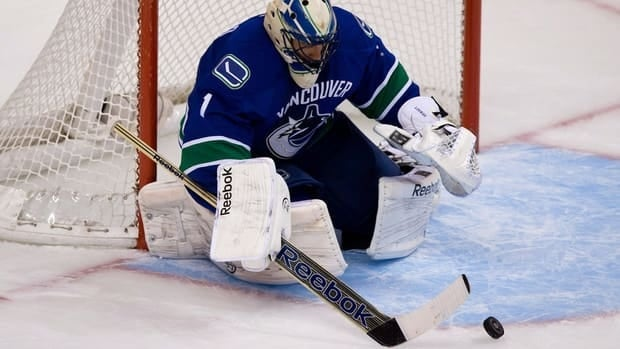 Vancouver Canucks goalie Roberto Luongo, seen here in action against the Colorado Avalanche on Wednesday, will get the start against the Chicago Blackhawks on Friday.
