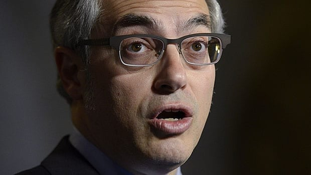 Treasury Board President Tony Clement has announced new measures to track job performance for public sector employees that are to take effect next April.
