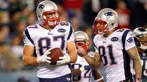 Rob Gronkowski, left, and Aaron Hernandez formed a formidable tight end tandem last season for the New England Patriots.