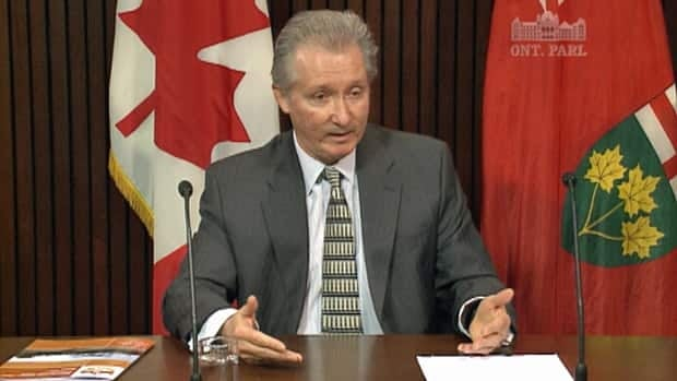 Ontario Auditor General Jim McCarter says that the public will pay $275 million as a result of a decision to stop construction on a Mississauga power plant and relocate it to another part of the province.