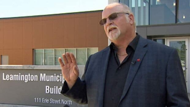 Leamington Mayor John Paterson wants to be able to lure businesses to the province by using U.S.-style incentives.