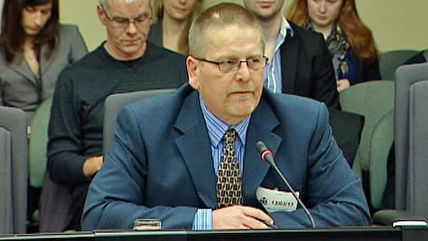 Independent energy expert Bruce Sharp testified before an Ontario legislative committee Wednesday that the cost of cancelling two gas plants in Oakville and Mississauga is in the hundreds of millions of dollars.