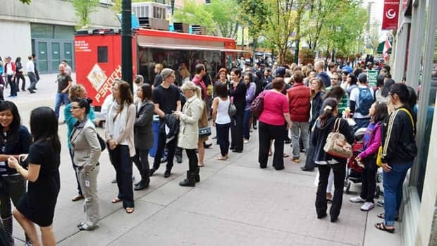 The city is drawing up formal rules for operators of food trucks in Calgary.