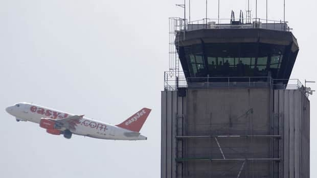 Air traffic controllers say a consolidated Europe-wide system would endanger passenger safety and lead to job losses.