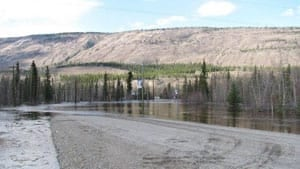 mi-pelly-river-flood-1