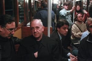 si-300-bergoglio-subway-04135314