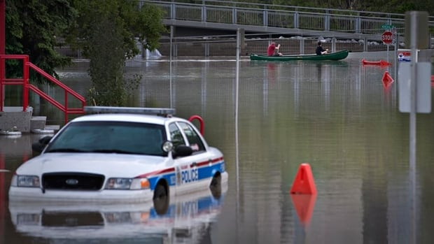 Calgary neighbourhoods that did not sustain water damage will be opened in portions as the city works to reopen roads and get utilities working.