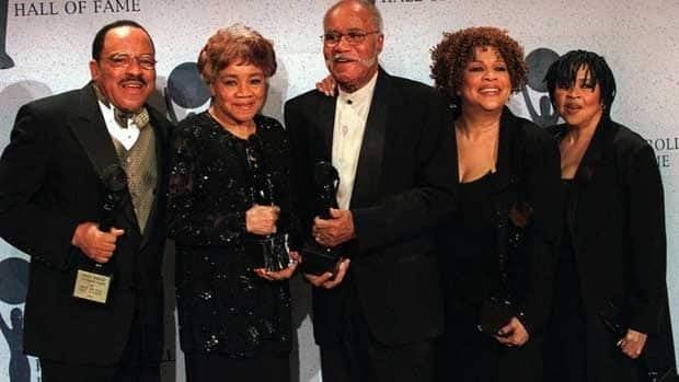 The Staple Singers, from left, Pervis, Cleotha, Pops, Mavis, and Yvonne, are shown in 2009. Cleotha Staples died this week.