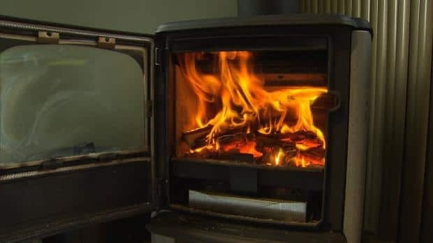The filters in newer wood stoves reduce the emission of fine particles by about 70 per cent.