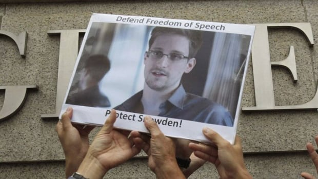 An alert from the British government said airlines should deny Edward Snowden boarding.