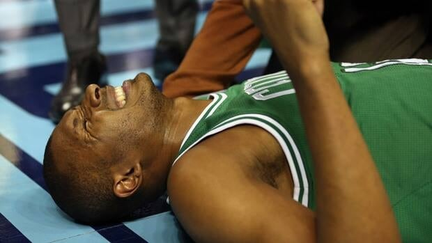 Leandro Barbosa injured his knee in Monday night's game against the Charlotte Bobcats.