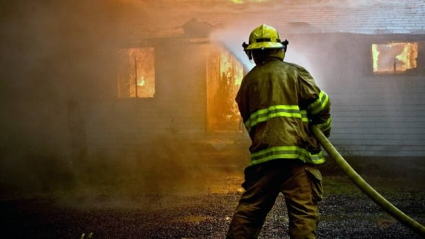 Yukon fire chiefs say the entire territory needs 911 service for fire emergencies.