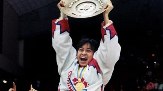 Susana Yuen of Team Canada rejoices at the inaugural worlds in Ottawa on March 25, 1990.