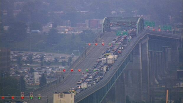 The Jacques-Cartier bridge was closed in both directions just after 3 p.m. ET after a serious accident.