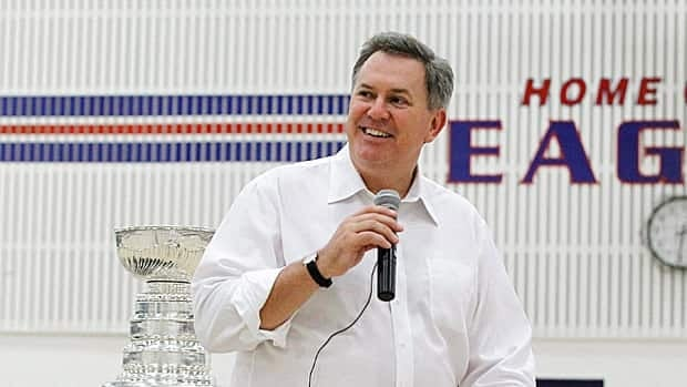 Tim Leiweke, shown at a Los Angeles school with the Stanley Cup, had his first professional sports job in 1979.