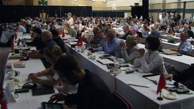 Doctors with the Canadian Medical Association passed a motion at their meeting in Yellowknife this week to call  for more research into the health effects of resource extraction projects such as the Alberta oil sands.