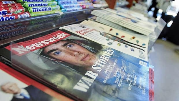 Newsweek magazine says it is dropping its print edition and switching in early 2013 to a single worldwide digitial edition that will require a paid subscription.