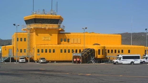 Replacing Iqaluit's airport will be the territorial government's biggest capital project ever.(Pat Nagel/CBC)