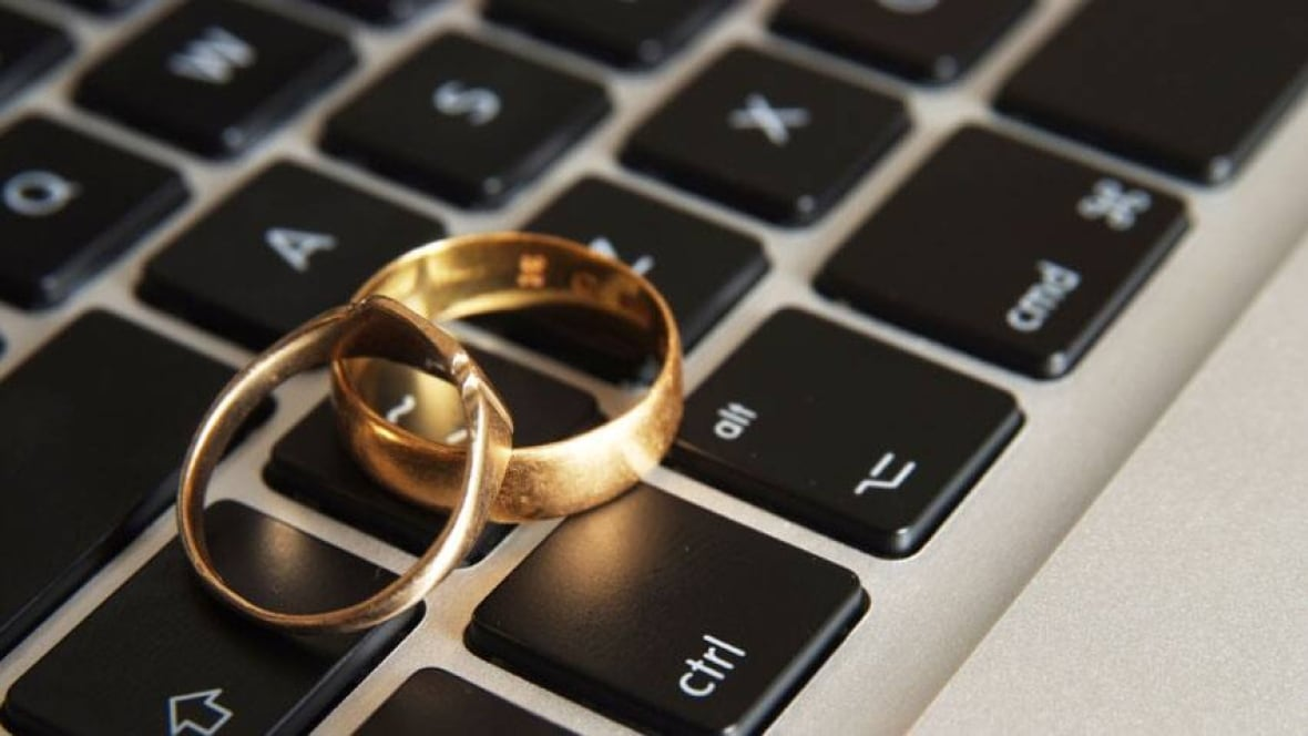 news canada online dating avoid pitfalls from pricey matchmakers scammers