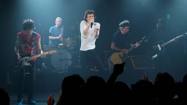 The Rolling Stones performed a surprise, intimate gig at the Echoplex in Los Angeles on Saturday night.