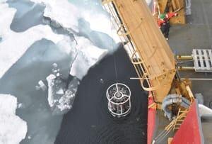 si-arctic-crane-bottles