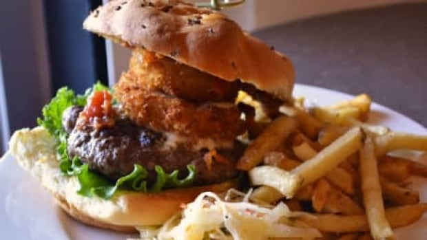 si-grumans-burger-460
