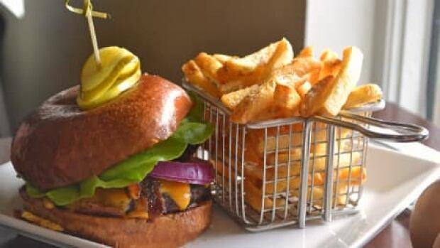 si-fine-diner-burger-460