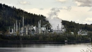 080429-chevron-refinery-reuters