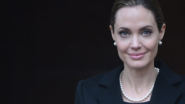 Angelina Jolie says that she has had a preventive double mastectomy after learning she carried a gene that made it extremely likely she would get breast cancer.  (Toby Melville/Reuters)