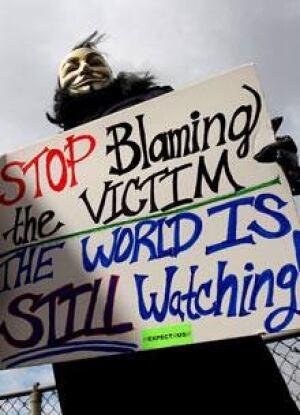 si-220-steubenville-protester