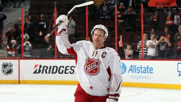 Fans showed Daniel Alfredsson love throughout the 2012 NHL All-Star weekend. What kind of reception awaits Sunday evening?