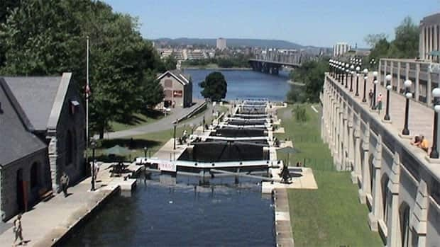 fees for recreational boaters on the Rideau Canal and the Trent-Severn Waterway, both in eastern Ontario, will remain frozen for another three years