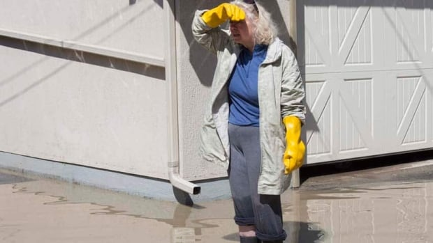 A number of organizations are seeking volunteers and donations to help out southern Alberta communities that were flooded this week.