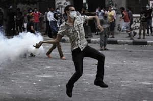 mi-egypt-tear-gas-protest-3