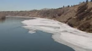 si-river-ice