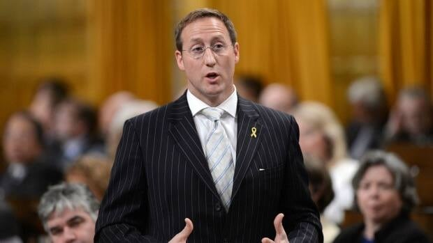 Defence Minister Peter MacKay recently ordered National Defence to take another look at whether some of the nine VH-71 aircraft — purchased for spare parts to keep this country's search-and-rescue choppers flying — can be made fully operational.