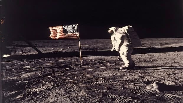 The Moon Landing Hoax Debunked again