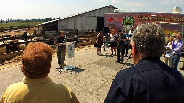 Ontario's minister of agriculture meets with farmers in Renfrew, Ont.