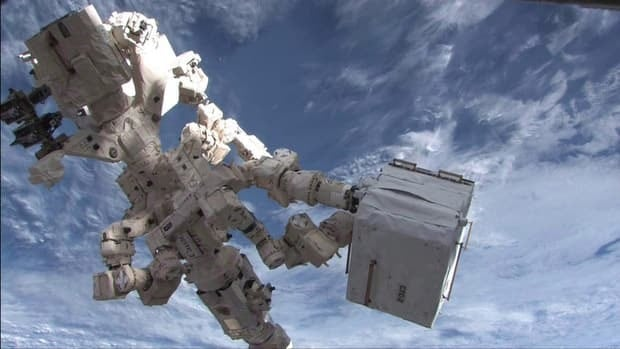 Dextre, the Canadian Space Agency's robotic handyman, has started a delicate five-day job to refuel a satellite in orbit.
