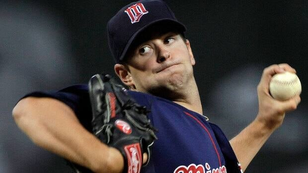 Twins ace pitcher Scott Diamond, who had surgery in December to remove a bone chip in his elbow, is optimistic about an early-season return.
