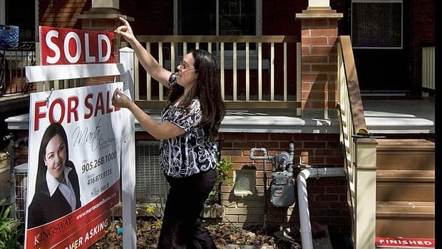 The Teranet-National Bank House Price Index shows prices in November rose by 3.3 per cent over the same period last year. But that annual price growth figure has decelerated for 12 consecutive months — a sign prices are cooling overall.