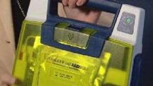 si-cgy-defibrillator-852-4c