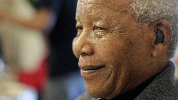 Former South African President Nelson Mandela is still being treated in hospital for a recurring lung infection on Saturday, the office of South Africa's president said Saturday. The office denied reports that Mandela has been released from hospital.